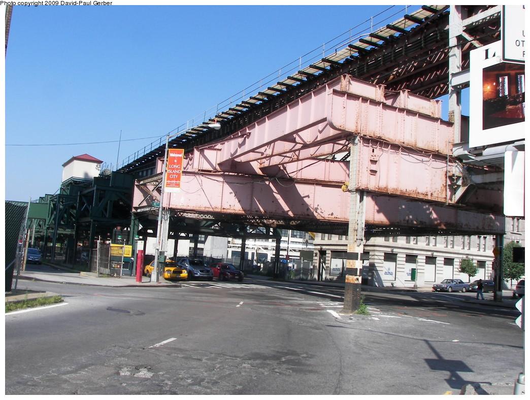 (310k, 1044x788)<br><b>Country:</b> United States<br><b>City:</b> New York<br><b>System:</b> New York City Transit<br><b>Line:</b> BMT Astoria Line<br><b>Location:</b> Queensborough Plaza <br><b>Photo by:</b> David-Paul Gerber<br><b>Date:</b> 8/1/2009<br><b>Viewed (this week/total):</b> 0 / 1271