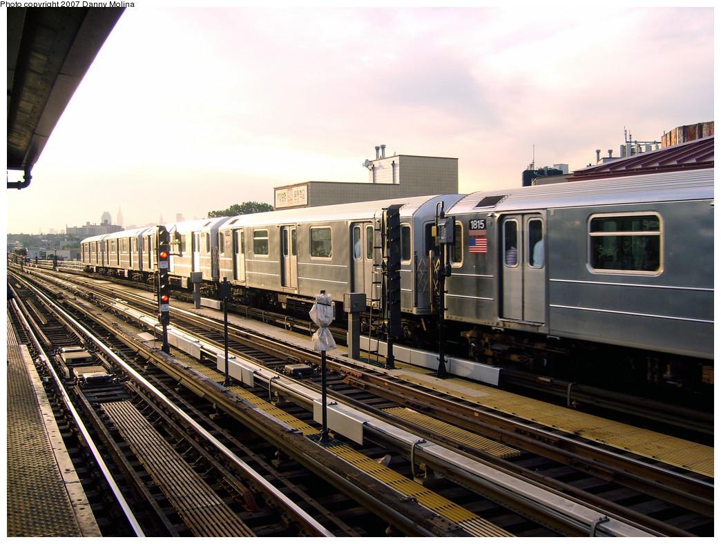 (306k, 1044x788)<br><b>Country:</b> United States<br><b>City:</b> New York<br><b>System:</b> New York City Transit<br><b>Line:</b> IRT Flushing Line<br><b>Location:</b> 74th Street/Broadway <br><b>Route:</b> 7<br><b>Car:</b> R-62A (Bombardier, 1984-1987)  1815 <br><b>Photo by:</b> Danny Molina<br><b>Date:</b> 10/16/2007<br><b>Viewed (this week/total):</b> 4 / 1461