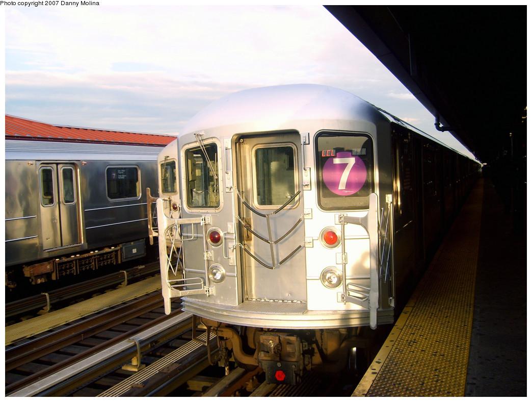 (257k, 1044x788)<br><b>Country:</b> United States<br><b>City:</b> New York<br><b>System:</b> New York City Transit<br><b>Line:</b> IRT Flushing Line<br><b>Location:</b> 74th Street/Broadway <br><b>Route:</b> 7<br><b>Car:</b> R-62A (Bombardier, 1984-1987)  1736 <br><b>Photo by:</b> Danny Molina<br><b>Date:</b> 10/16/2007<br><b>Viewed (this week/total):</b> 2 / 1614