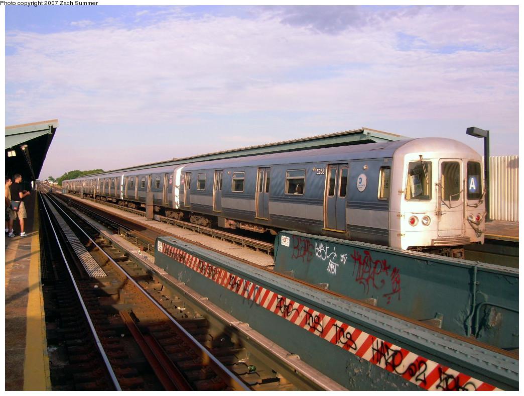 (272k, 1044x788)<br><b>Country:</b> United States<br><b>City:</b> New York<br><b>System:</b> New York City Transit<br><b>Line:</b> IND Fulton Street Line<br><b>Location:</b> 80th Street/Hudson Street <br><b>Route:</b> A<br><b>Car:</b> R-44 (St. Louis, 1971-73) 5258 <br><b>Photo by:</b> Zach Summer<br><b>Date:</b> 7/22/2007<br><b>Viewed (this week/total):</b> 3 / 1683