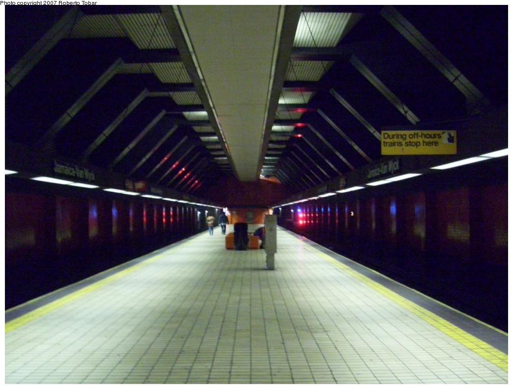(186k, 1044x791)<br><b>Country:</b> United States<br><b>City:</b> New York<br><b>System:</b> New York City Transit<br><b>Line:</b> IND Queens Boulevard Line<br><b>Location:</b> Jamaica/Van Wyck <br><b>Photo by:</b> Roberto C. Tobar<br><b>Date:</b> 10/26/2007<br><b>Viewed (this week/total):</b> 2 / 2199