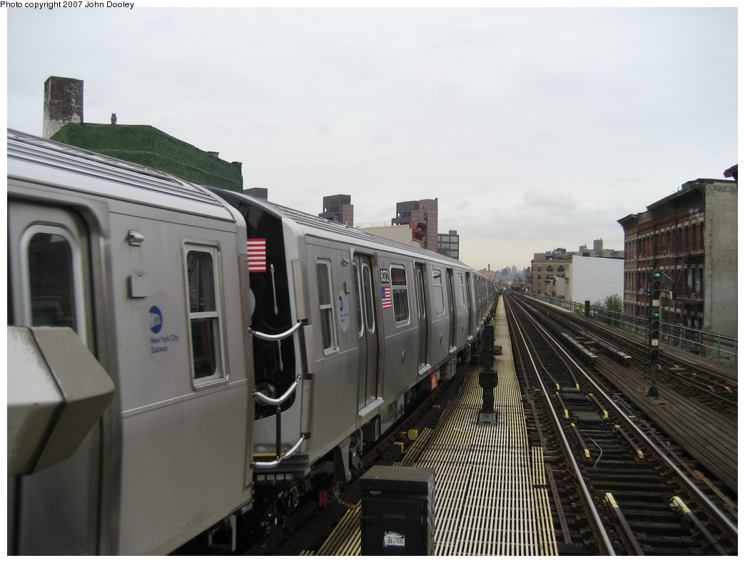 (179k, 1044x788)<br><b>Country:</b> United States<br><b>City:</b> New York<br><b>System:</b> New York City Transit<br><b>Line:</b> BMT Nassau Street/Jamaica Line<br><b>Location:</b> Myrtle Avenue <br><b>Route:</b> Z<br><b>Car:</b> R-160A-1 (Alstom, 2005-2008, 4 car sets)  8372 <br><b>Photo by:</b> John Dooley<br><b>Date:</b> 10/26/2007<br><b>Viewed (this week/total):</b> 0 / 2966