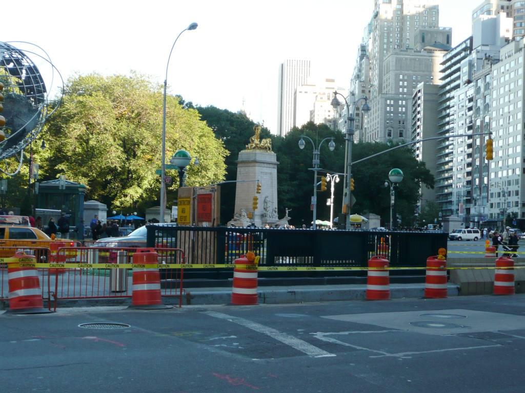 (127k, 1024x768)<br><b>Country:</b> United States<br><b>City:</b> New York<br><b>System:</b> New York City Transit<br><b>Line:</b> IRT West Side Line<br><b>Location:</b> 59th Street/Columbus Circle <br><b>Photo by:</b> Robbie Rosenfeld<br><b>Date:</b> 10/13/2010<br><b>Notes:</b> New entrance.<br><b>Viewed (this week/total):</b> 0 / 1154