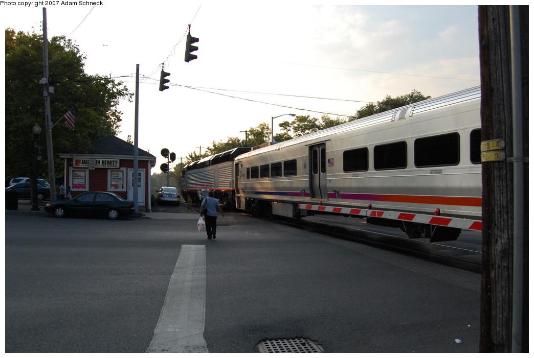 (220k, 1044x701)<br><b>Country:</b> United States<br><b>System:</b> NJ Transit (or Predecessor)<br><b>Line:</b> NJT Pascack Valley Line<br><b>Location:</b> Spring Valley <br><b>Car:</b> NJT Comet V  <br><b>Photo by:</b> Adam Schneck<br><b>Date:</b> 9/21/2007<br><b>Notes:</b> Grade crossing just north of station.<br><b>Viewed (this week/total):</b> 2 / 1350