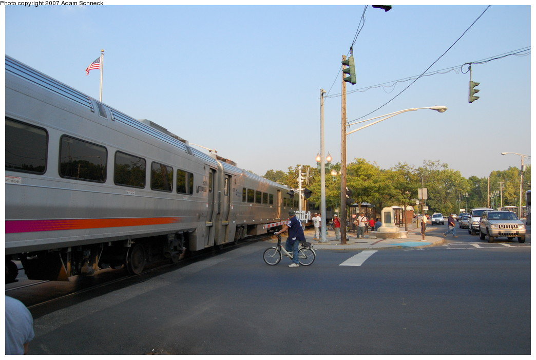 (209k, 1044x701)<br><b>Country:</b> United States<br><b>System:</b> NJ Transit (or Predecessor)<br><b>Line:</b> NJT Pascack Valley Line<br><b>Location:</b> Spring Valley <br><b>Car:</b> NJT Comet V 6779 <br><b>Photo by:</b> Adam Schneck<br><b>Date:</b> 9/21/2007<br><b>Notes:</b> Grade crossing just north of station.<br><b>Viewed (this week/total):</b> 2 / 1549
