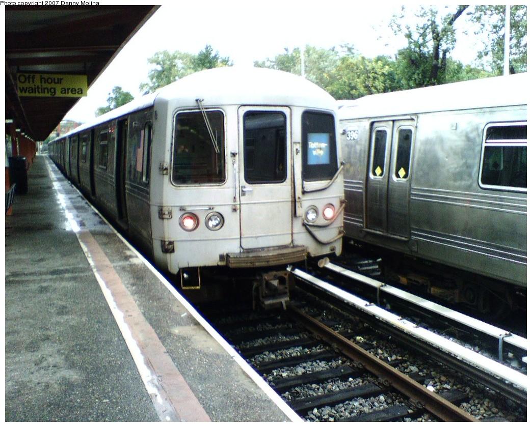 (270k, 1044x839)<br><b>Country:</b> United States<br><b>City:</b> New York<br><b>System:</b> New York City Transit<br><b>Line:</b> SIRT<br><b>Location:</b> Tottenville <br><b>Car:</b> R-44 SIRT (St. Louis, 1971-1973)  <br><b>Photo by:</b> Danny Molina<br><b>Date:</b> 10/27/2007<br><b>Viewed (this week/total):</b> 0 / 2160