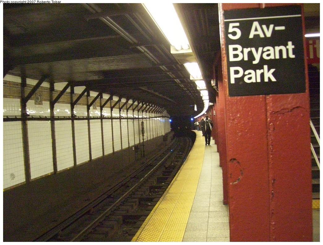 (269k, 1044x791)<br><b>Country:</b> United States<br><b>City:</b> New York<br><b>System:</b> New York City Transit<br><b>Line:</b> IRT Flushing Line<br><b>Location:</b> 5th Avenue <br><b>Photo by:</b> Roberto C. Tobar<br><b>Date:</b> 10/27/2007<br><b>Viewed (this week/total):</b> 5 / 2208