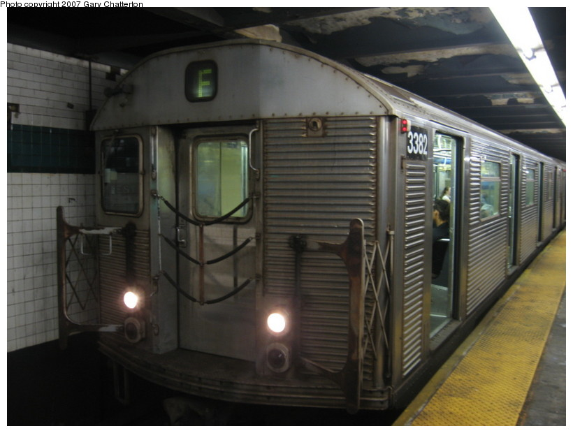(110k, 820x620)<br><b>Country:</b> United States<br><b>City:</b> New York<br><b>System:</b> New York City Transit<br><b>Line:</b> IND 6th Avenue Line<br><b>Location:</b> West 4th Street/Washington Square <br><b>Route:</b> F<br><b>Car:</b> R-32 (Budd, 1964)  3382 <br><b>Photo by:</b> Gary Chatterton<br><b>Date:</b> 10/22/2007<br><b>Viewed (this week/total):</b> 0 / 1948