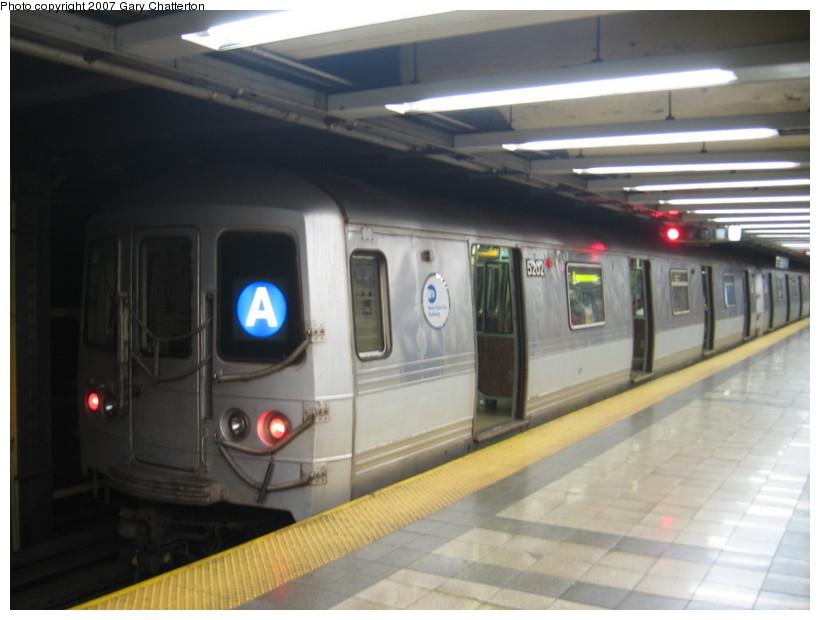 (102k, 820x620)<br><b>Country:</b> United States<br><b>City:</b> New York<br><b>System:</b> New York City Transit<br><b>Line:</b> IND 8th Avenue Line<br><b>Location:</b> Canal Street-Holland Tunnel <br><b>Route:</b> A<br><b>Car:</b> R-44 (St. Louis, 1971-73) 5202 <br><b>Photo by:</b> Gary Chatterton<br><b>Date:</b> 10/22/2007<br><b>Viewed (this week/total):</b> 5 / 2893