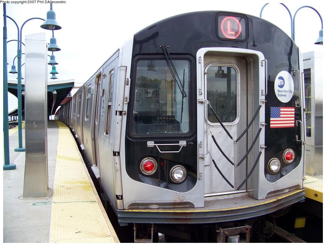 (219k, 1044x788)<br><b>Country:</b> United States<br><b>City:</b> New York<br><b>System:</b> New York City Transit<br><b>Line:</b> BMT Canarsie Line<br><b>Location:</b> Broadway Junction <br><b>Route:</b> L<br><b>Car:</b> R-143 (Kawasaki, 2001-2002) 8173 <br><b>Photo by:</b> Philip D'Allesandro<br><b>Date:</b> 11/2/2007<br><b>Viewed (this week/total):</b> 0 / 2451
