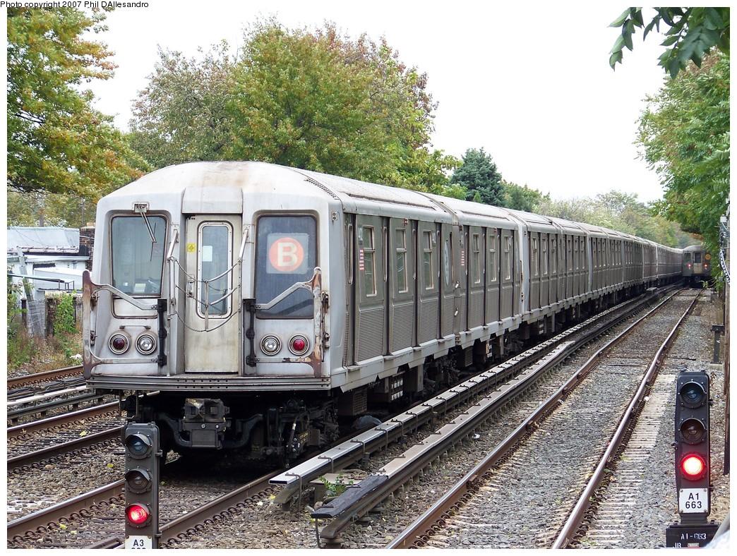(361k, 1044x788)<br><b>Country:</b> United States<br><b>City:</b> New York<br><b>System:</b> New York City Transit<br><b>Line:</b> BMT Brighton Line<br><b>Location:</b> Neck Road <br><b>Route:</b> B Layup<br><b>Car:</b> R-40 (St. Louis, 1968)  4402 <br><b>Photo by:</b> Philip D'Allesandro<br><b>Date:</b> 11/2/2007<br><b>Viewed (this week/total):</b> 0 / 2344