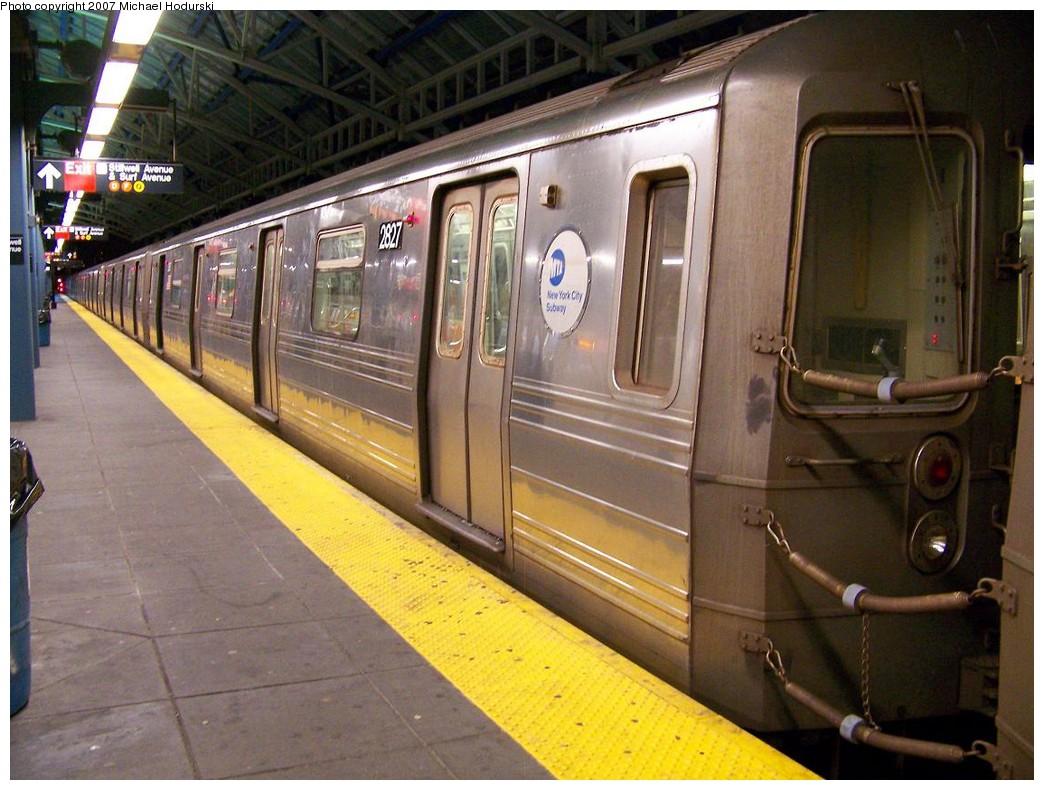 (222k, 1044x790)<br><b>Country:</b> United States<br><b>City:</b> New York<br><b>System:</b> New York City Transit<br><b>Location:</b> Coney Island/Stillwell Avenue<br><b>Route:</b> N<br><b>Car:</b> R-68 (Westinghouse-Amrail, 1986-1988)  2827 <br><b>Photo by:</b> Michael Hodurski<br><b>Date:</b> 11/2/2007<br><b>Viewed (this week/total):</b> 0 / 2133