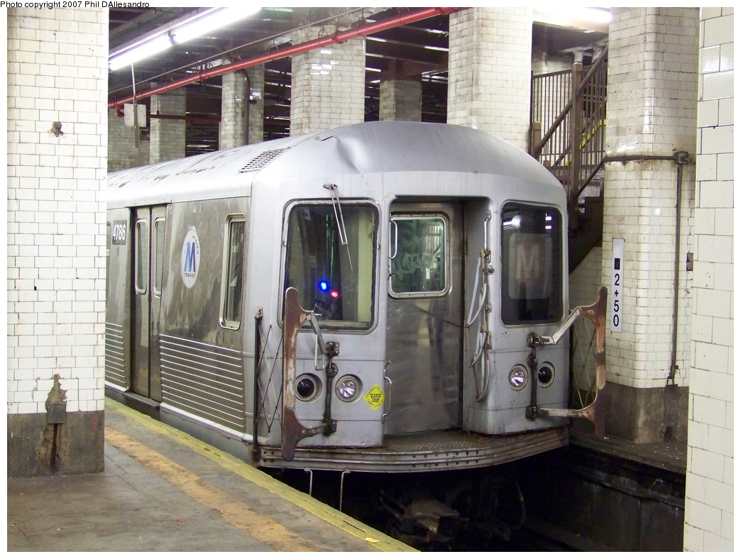 (236k, 1044x788)<br><b>Country:</b> United States<br><b>City:</b> New York<br><b>System:</b> New York City Transit<br><b>Line:</b> BMT Nassau Street/Jamaica Line<br><b>Location:</b> Chambers Street <br><b>Car:</b> R-42 (St. Louis, 1969-1970)  4786 <br><b>Photo by:</b> Philip D'Allesandro<br><b>Date:</b> 11/6/2007<br><b>Notes:</b> This car was 3rd car in consist that hit bumper block at Chambers Street 11/6/2007. First two cars were removed to Coney Island for scrapping.<br><b>Viewed (this week/total):</b> 3 / 4122