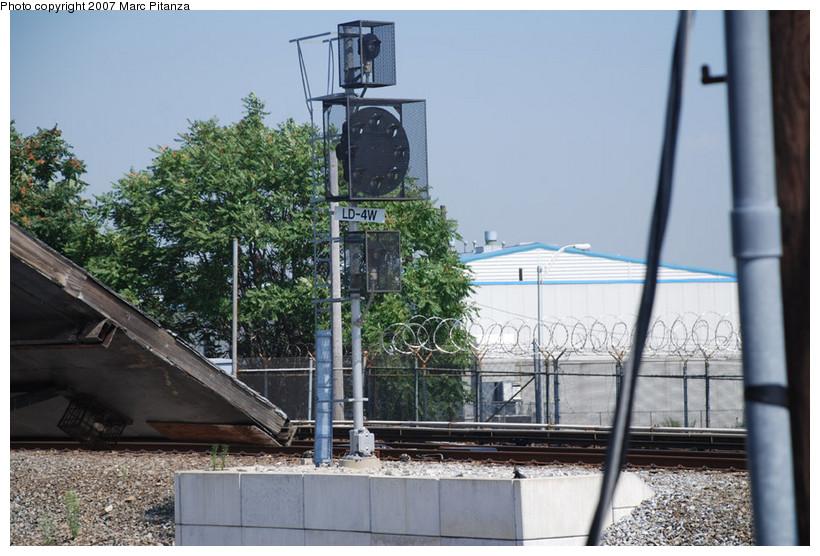 (153k, 820x556)<br><b>Country:</b> United States<br><b>City:</b> New York<br><b>System:</b> New York City Transit<br><b>Line:</b> SIRT<br><b>Location:</b> Clifton Yard/Shops <br><b>Photo by:</b> Marc Pitanza<br><b>Date:</b> 8/29/2007<br><b>Viewed (this week/total):</b> 1 / 2026