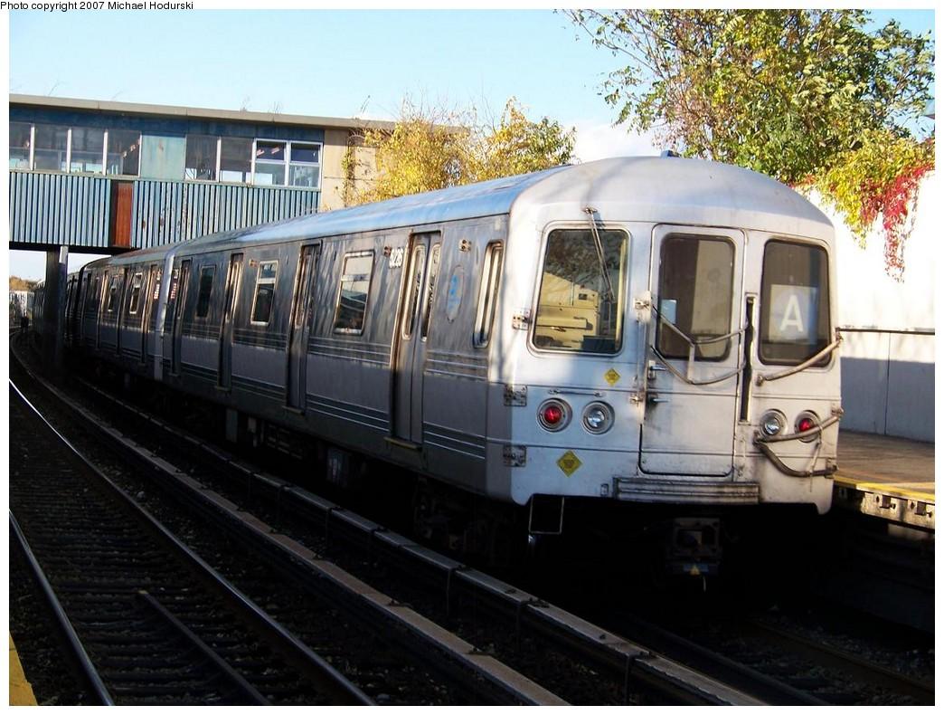 (234k, 1044x790)<br><b>Country:</b> United States<br><b>City:</b> New York<br><b>System:</b> New York City Transit<br><b>Line:</b> IND Rockaway<br><b>Location:</b> Broad Channel <br><b>Route:</b> A<br><b>Car:</b> R-44 (St. Louis, 1971-73) 5226 <br><b>Photo by:</b> Michael Hodurski<br><b>Date:</b> 11/6/2007<br><b>Viewed (this week/total):</b> 1 / 1622