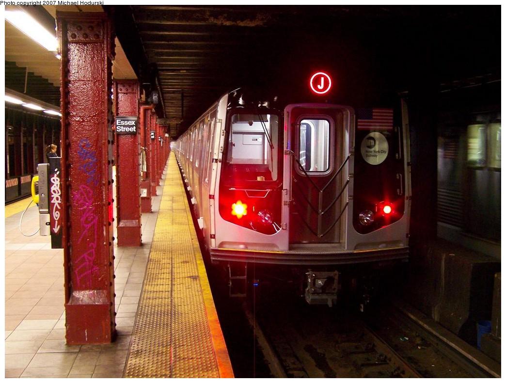 (214k, 1044x790)<br><b>Country:</b> United States<br><b>City:</b> New York<br><b>System:</b> New York City Transit<br><b>Line:</b> BMT Nassau Street/Jamaica Line<br><b>Location:</b> Essex Street <br><b>Route:</b> Testing<br><b>Car:</b> R-160A-1 (Alstom, 2005-2008, 4 car sets)  8401 <br><b>Photo by:</b> Michael Hodurski<br><b>Date:</b> 11/6/2007<br><b>Viewed (this week/total):</b> 0 / 3957