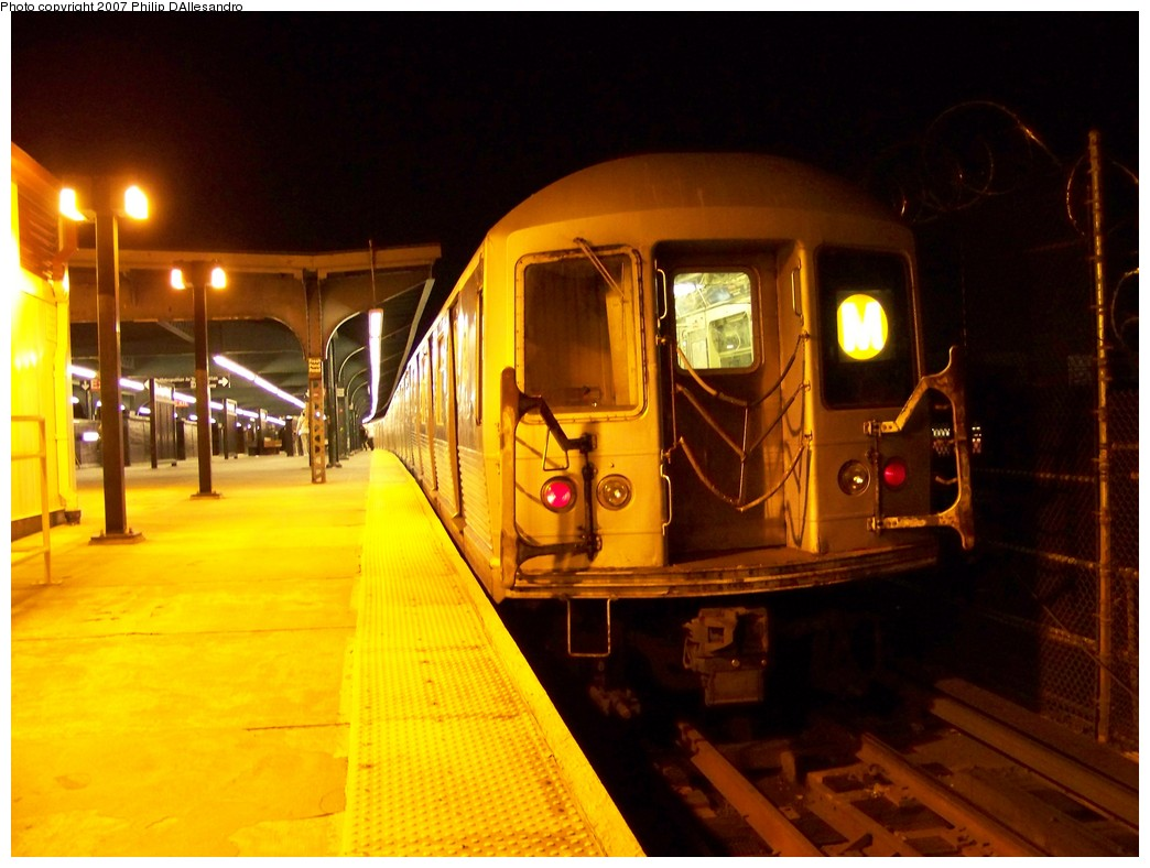 (191k, 1044x788)<br><b>Country:</b> United States<br><b>City:</b> New York<br><b>System:</b> New York City Transit<br><b>Line:</b> BMT Myrtle Avenue Line<br><b>Location:</b> Fresh Pond Road <br><b>Route:</b> M<br><b>Car:</b> R-42 (St. Louis, 1969-1970)  4857 <br><b>Photo by:</b> Philip D'Allesandro<br><b>Date:</b> 11/6/2007<br><b>Viewed (this week/total):</b> 0 / 2016