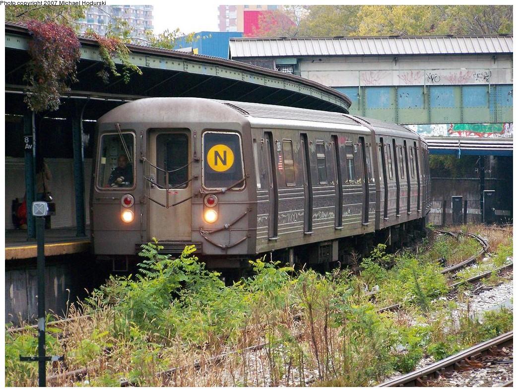 (345k, 1044x790)<br><b>Country:</b> United States<br><b>City:</b> New York<br><b>System:</b> New York City Transit<br><b>Line:</b> BMT Sea Beach Line<br><b>Location:</b> 8th Avenue <br><b>Route:</b> N<br><b>Car:</b> R-68 (Westinghouse-Amrail, 1986-1988)  2906 <br><b>Photo by:</b> Michael Hodurski<br><b>Date:</b> 11/12/2007<br><b>Viewed (this week/total):</b> 1 / 2650