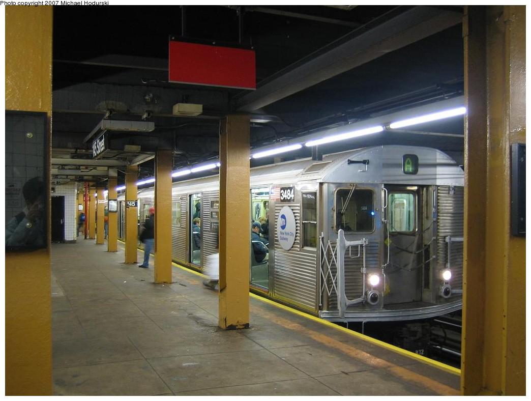(182k, 1044x788)<br><b>Country:</b> United States<br><b>City:</b> New York<br><b>System:</b> New York City Transit<br><b>Line:</b> IND 8th Avenue Line<br><b>Location:</b> 145th Street <br><b>Route:</b> A<br><b>Car:</b> R-32 (Budd, 1964)  3484 <br><b>Photo by:</b> Michael Hodurski<br><b>Date:</b> 11/12/2007<br><b>Viewed (this week/total):</b> 3 / 3061