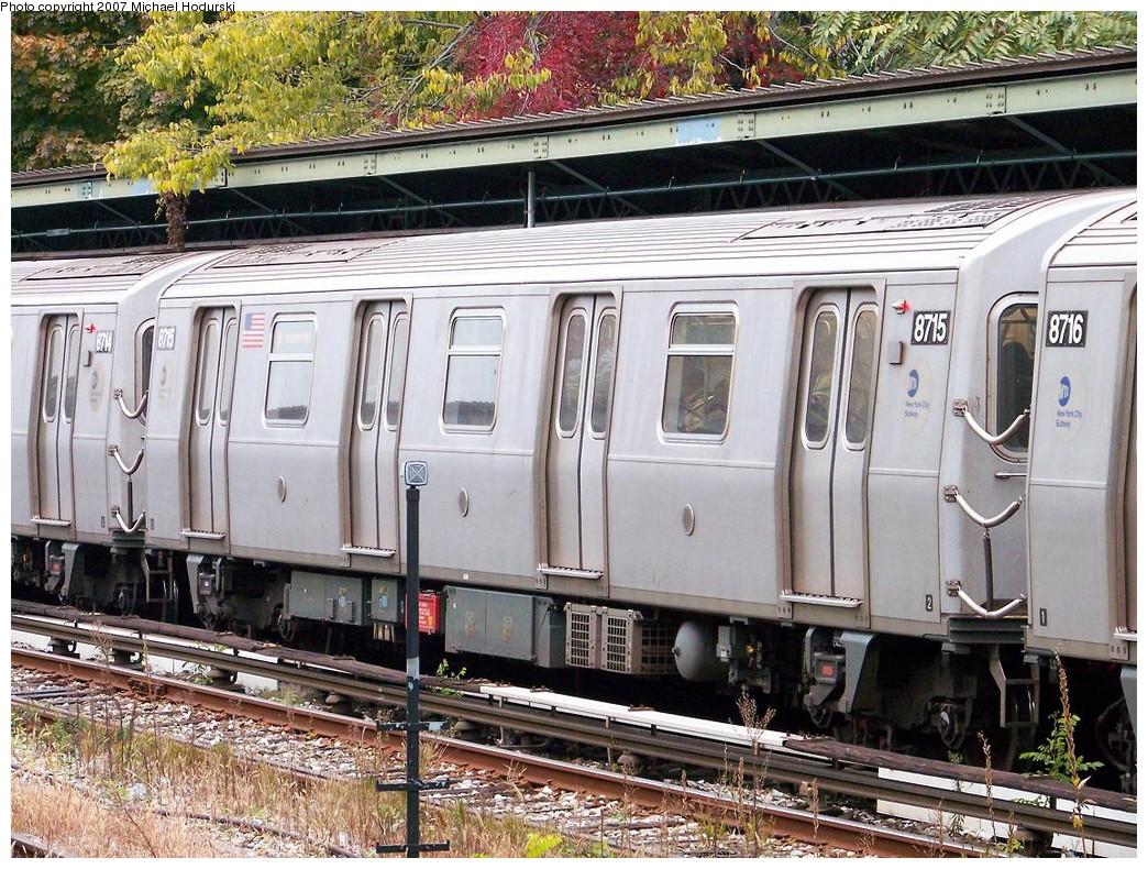(318k, 1044x790)<br><b>Country:</b> United States<br><b>City:</b> New York<br><b>System:</b> New York City Transit<br><b>Line:</b> BMT Sea Beach Line<br><b>Location:</b> 8th Avenue <br><b>Route:</b> N<br><b>Car:</b> R-160B (Kawasaki, 2005-2008)  8715 <br><b>Photo by:</b> Michael Hodurski<br><b>Date:</b> 11/12/2007<br><b>Viewed (this week/total):</b> 0 / 1682