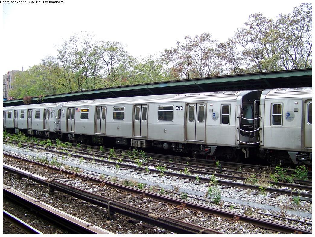 (345k, 1044x788)<br><b>Country:</b> United States<br><b>City:</b> New York<br><b>System:</b> New York City Transit<br><b>Line:</b> BMT Sea Beach Line<br><b>Location:</b> 8th Avenue <br><b>Route:</b> N<br><b>Car:</b> R-160B (Kawasaki, 2005-2008)  8748 <br><b>Photo by:</b> Philip D'Allesandro<br><b>Date:</b> 11/12/2007<br><b>Viewed (this week/total):</b> 0 / 1881