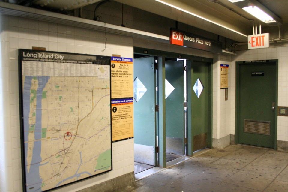 (200k, 960x640)<br><b>Country:</b> United States<br><b>City:</b> New York<br><b>System:</b> New York City Transit<br><b>Location:</b> Queensborough Plaza <br><b>Photo by:</b> Todd Glickman<br><b>Date:</b> 11/12/2007<br><b>Notes:</b> Station view.<br><b>Viewed (this week/total):</b> 1 / 2041