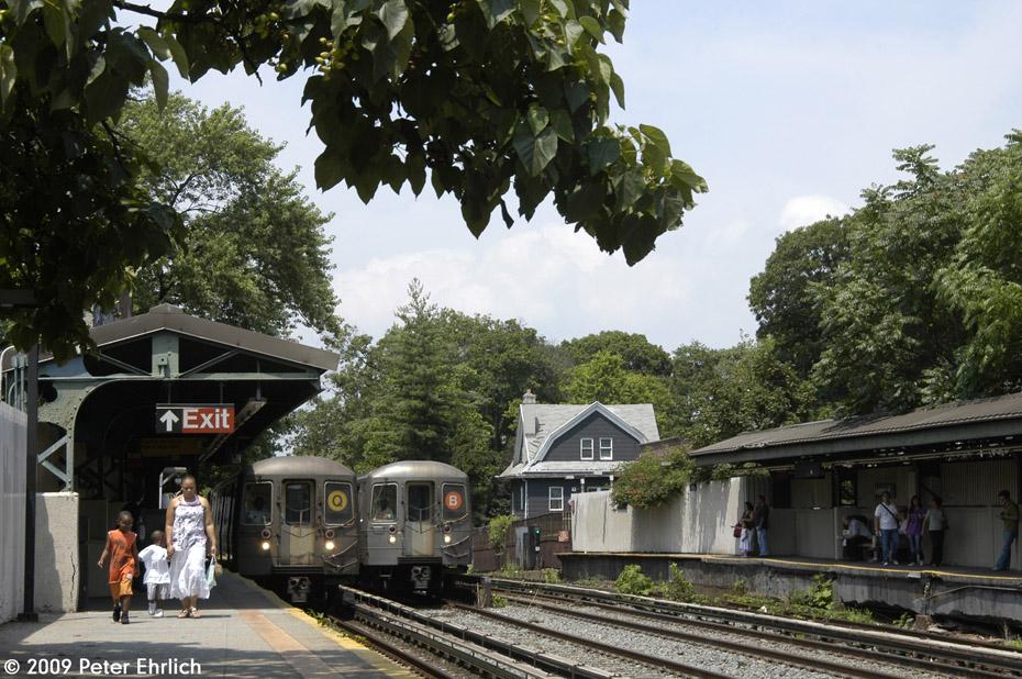 (252k, 930x618)<br><b>Country:</b> United States<br><b>City:</b> New York<br><b>System:</b> New York City Transit<br><b>Line:</b> BMT Brighton Line<br><b>Location:</b> Avenue H <br><b>Car:</b> R-68 (Westinghouse-Amrail, 1986-1988)  2788 <br><b>Photo by:</b> Peter Ehrlich<br><b>Date:</b> 7/22/2009<br><b>Notes:</b> Outbound Q train.  With 4158 outbound on Line B.<br><b>Viewed (this week/total):</b> 0 / 1326
