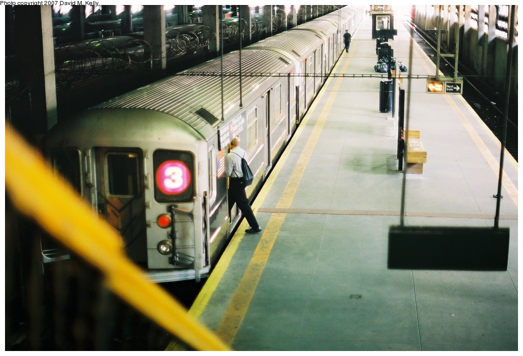 (178k, 1044x712)<br><b>Country:</b> United States<br><b>City:</b> New York<br><b>System:</b> New York City Transit<br><b>Line:</b> IRT Lenox Line<br><b>Location:</b> 148th Street/Lenox Terminal <br><b>Route:</b> 3<br><b>Car:</b> R-62 (Kawasaki, 1983-1985)   <br><b>Photo by:</b> David M. Kelly<br><b>Date:</b> 2007<br><b>Viewed (this week/total):</b> 0 / 3301