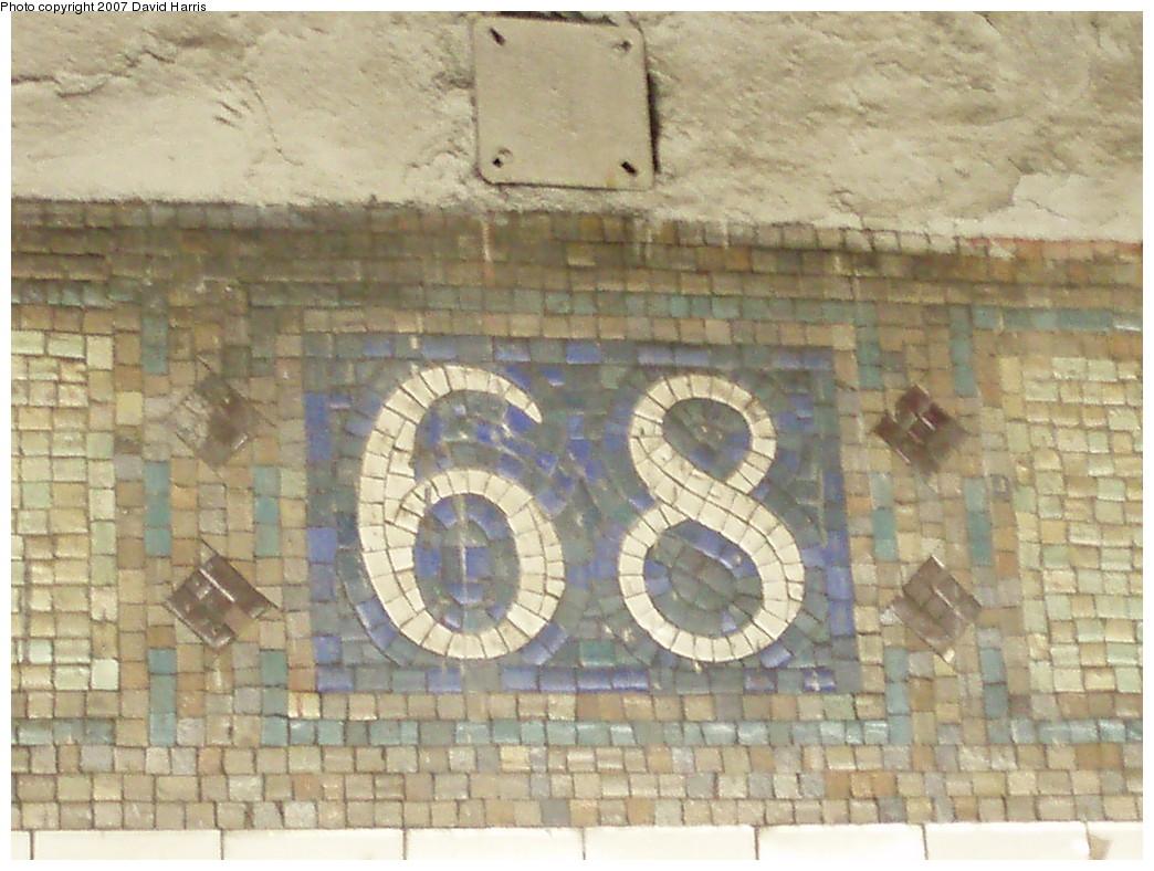 (235k, 1044x788)<br><b>Country:</b> United States<br><b>City:</b> New York<br><b>System:</b> New York City Transit<br><b>Line:</b> IRT East Side Line<br><b>Location:</b> 68th Street <br><b>Photo by:</b> David Harris<br><b>Date:</b> 11/16/2007<br><b>Viewed (this week/total):</b> 2 / 1307