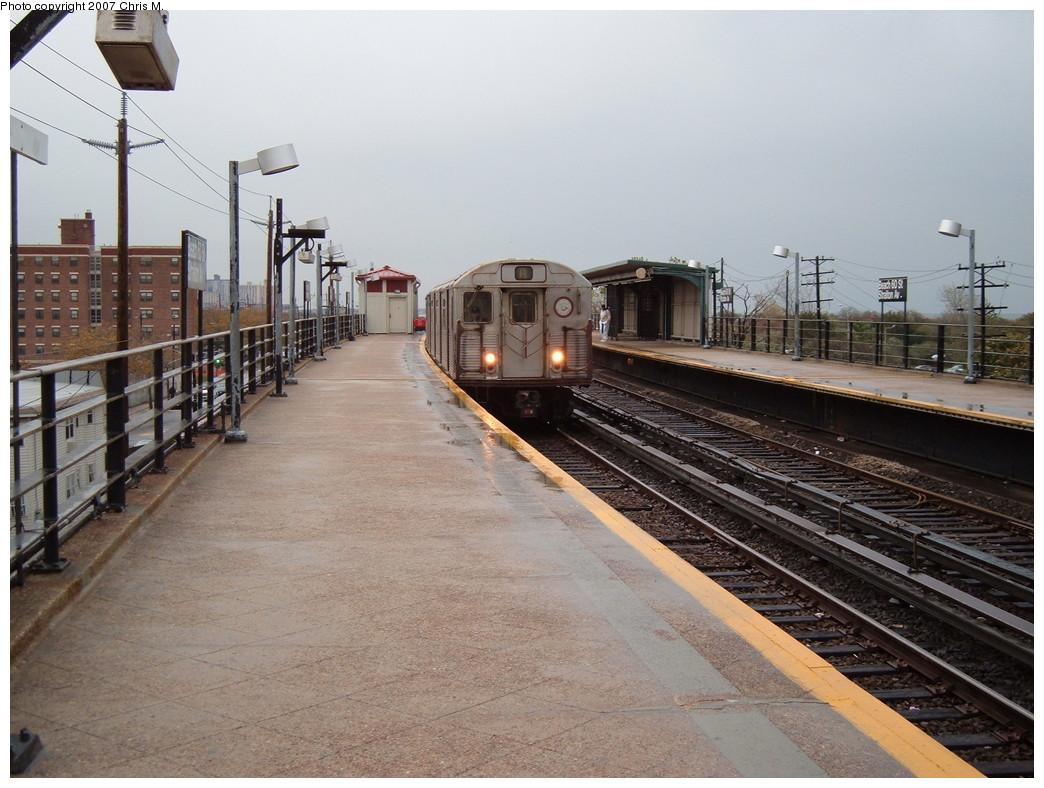 (227k, 1044x788)<br><b>Country:</b> United States<br><b>City:</b> New York<br><b>System:</b> New York City Transit<br><b>Line:</b> IND Rockaway<br><b>Location:</b> Beach 60th Street/Straiton <br><b>Route:</b> A<br><b>Car:</b> R-38 (St. Louis, 1966-1967)   <br><b>Photo by:</b> Chris M.<br><b>Date:</b> 11/6/2007<br><b>Viewed (this week/total):</b> 1 / 1983
