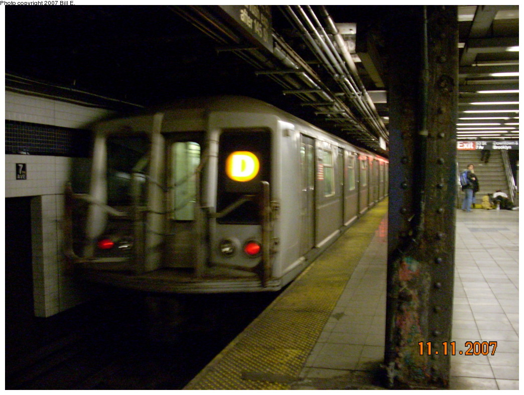 (240k, 1044x788)<br><b>Country:</b> United States<br><b>City:</b> New York<br><b>System:</b> New York City Transit<br><b>Line:</b> IND Queens Boulevard Line<br><b>Location:</b> 7th Avenue/53rd Street <br><b>Route:</b> D<br><b>Car:</b> R-40 (St. Louis, 1968)   <br><b>Photo by:</b> Bill E.<br><b>Date:</b> 11/11/2007<br><b>Viewed (this week/total):</b> 8 / 2975