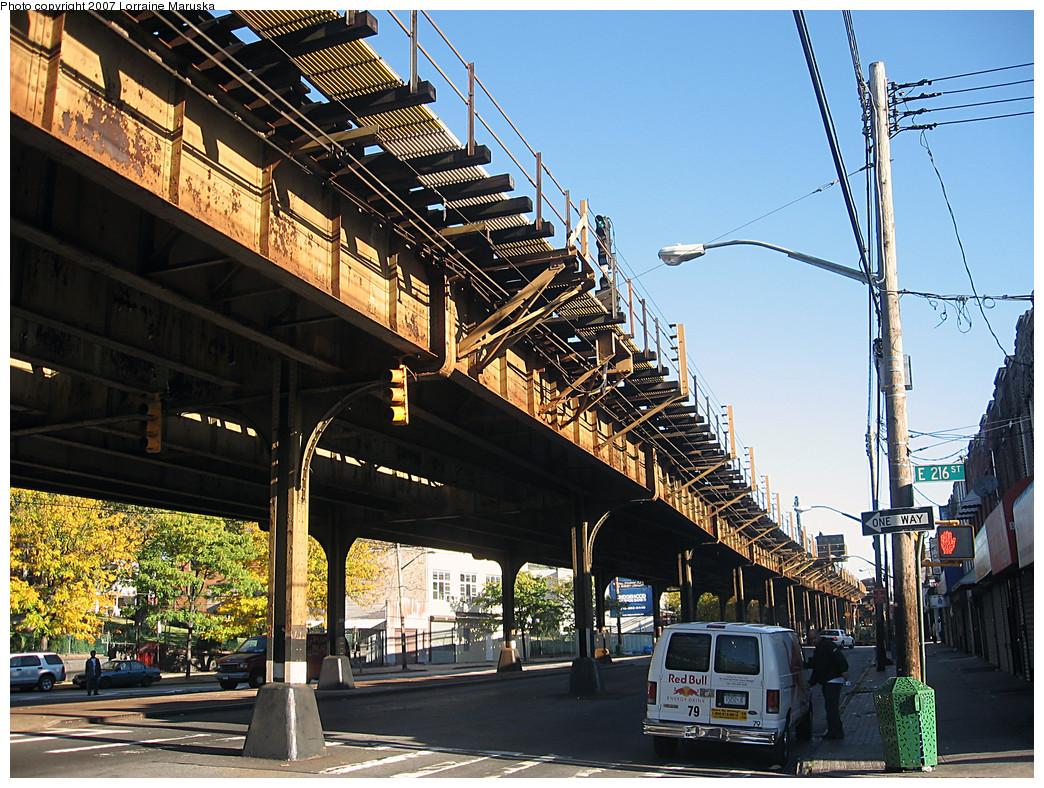 (390k, 1044x788)<br><b>Country:</b> United States<br><b>City:</b> New York<br><b>System:</b> New York City Transit<br><b>Line:</b> IRT White Plains Road Line<br><b>Location:</b> 219th Street <br><b>Photo by:</b> Lorraine Maruska<br><b>Date:</b> 10/21/2007<br><b>Notes:</b> View under el at 216th St. near 219th St. station.<br><b>Viewed (this week/total):</b> 0 / 2222