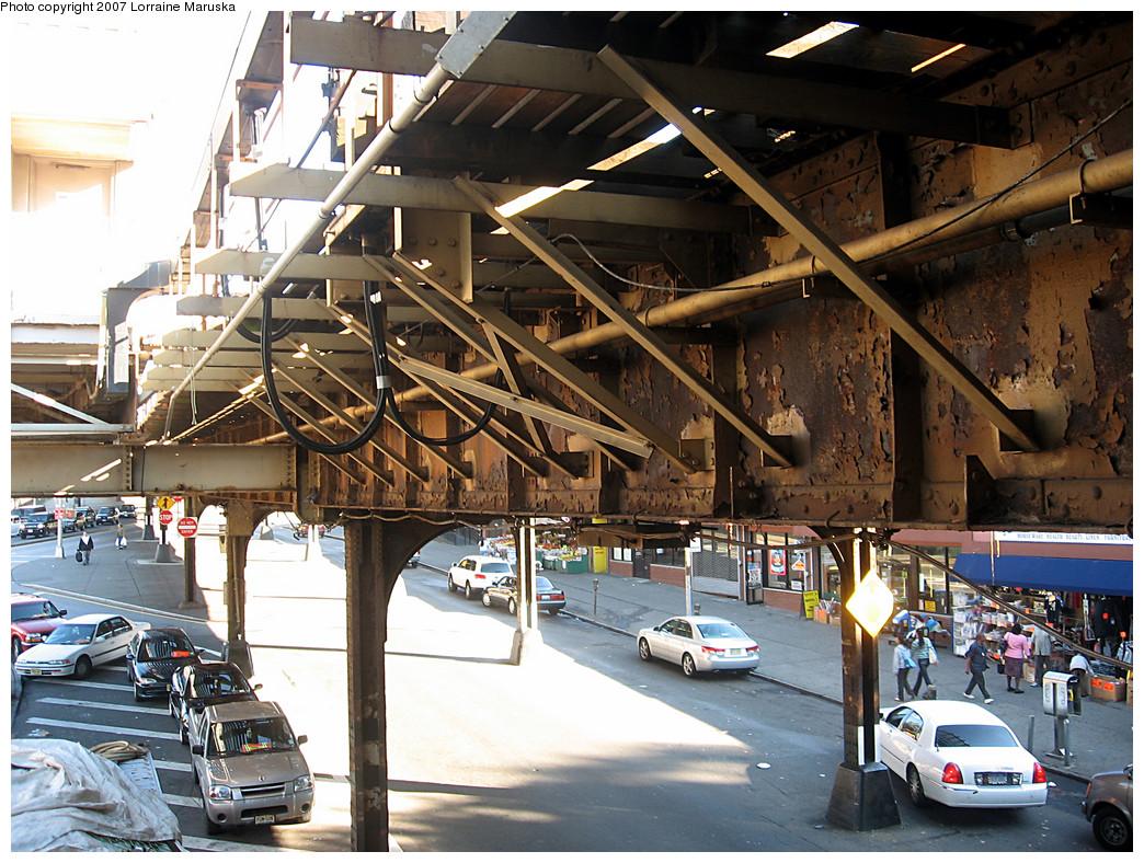 (354k, 1044x788)<br><b>Country:</b> United States<br><b>City:</b> New York<br><b>System:</b> New York City Transit<br><b>Line:</b> IRT White Plains Road Line<br><b>Location:</b> Pelham Parkway <br><b>Photo by:</b> Lorraine Maruska<br><b>Date:</b> 10/21/2007<br><b>Viewed (this week/total):</b> 0 / 1882