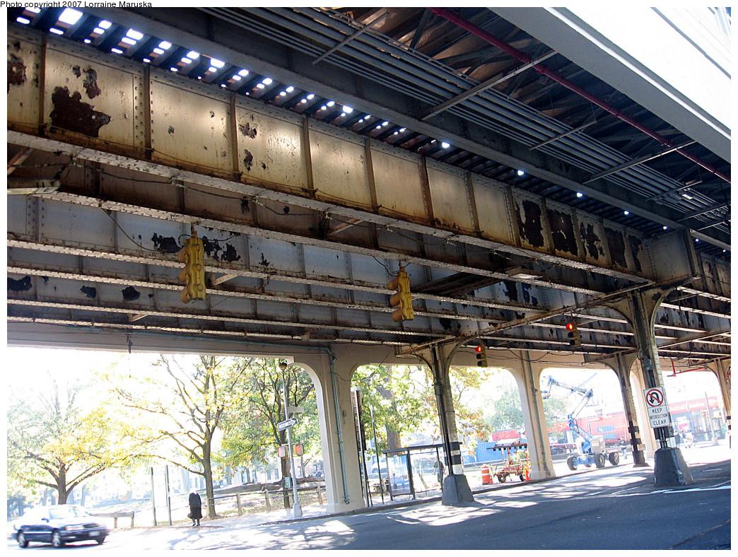 (413k, 1044x788)<br><b>Country:</b> United States<br><b>City:</b> New York<br><b>System:</b> New York City Transit<br><b>Line:</b> IRT White Plains Road Line<br><b>Location:</b> Pelham Parkway <br><b>Photo by:</b> Lorraine Maruska<br><b>Date:</b> 10/21/2007<br><b>Viewed (this week/total):</b> 0 / 1545
