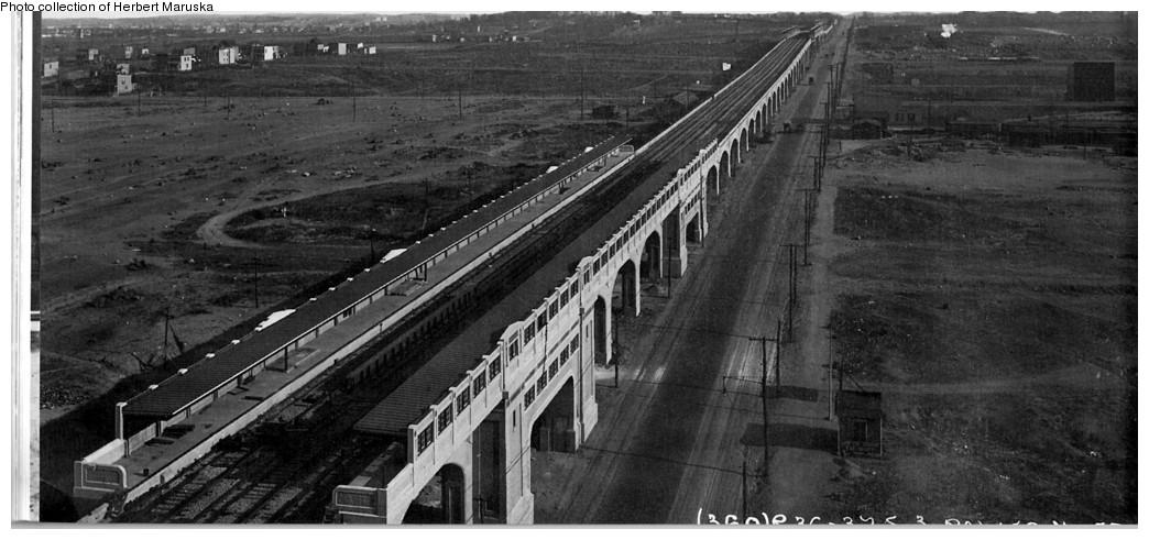 (160k, 1044x491)<br><b>Country:</b> United States<br><b>City:</b> New York<br><b>System:</b> New York City Transit<br><b>Line:</b> IRT Flushing Line<br><b>Location:</b> 33rd Street/Rawson Street <br><b>Collection of:</b> Herbert P. Maruska<br><b>Date:</b> 1917<br><b>Viewed (this week/total):</b> 0 / 2922