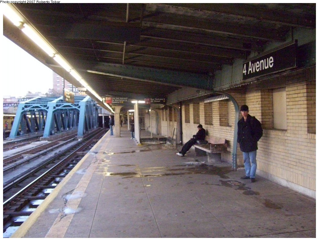 (220k, 1044x790)<br><b>Country:</b> United States<br><b>City:</b> New York<br><b>System:</b> New York City Transit<br><b>Line:</b> IND Crosstown Line<br><b>Location:</b> 4th Avenue <br><b>Photo by:</b> Roberto C. Tobar<br><b>Date:</b> 11/10/2007<br><b>Viewed (this week/total):</b> 0 / 1804