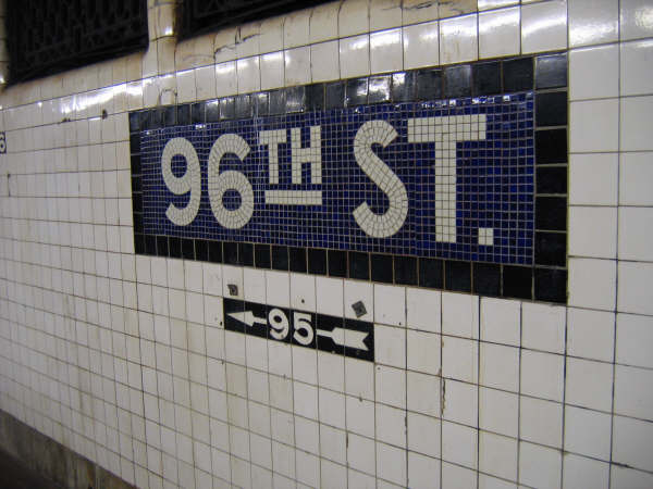 (41k, 600x450)<br><b>Country:</b> United States<br><b>City:</b> New York<br><b>System:</b> New York City Transit<br><b>Line:</b> IND 8th Avenue Line<br><b>Location:</b> 96th Street <br><b>Photo by:</b> Professor J<br><b>Date:</b> 10/25/2007<br><b>Viewed (this week/total):</b> 2 / 1886