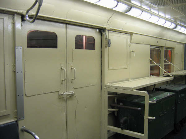 (28k, 600x450)<br><b>Country:</b> United States<br><b>City:</b> New York<br><b>System:</b> New York City Transit<br><b>Location:</b> New York Transit Museum<br><b>Car:</b> R-95 Revenue Collector 0R714 (ex-7194)<br><b>Photo by:</b> Professor J<br><b>Date:</b> 11/8/2007<br><b>Notes:</b> Interior side of doors.<br><b>Viewed (this week/total):</b> 2 / 3906