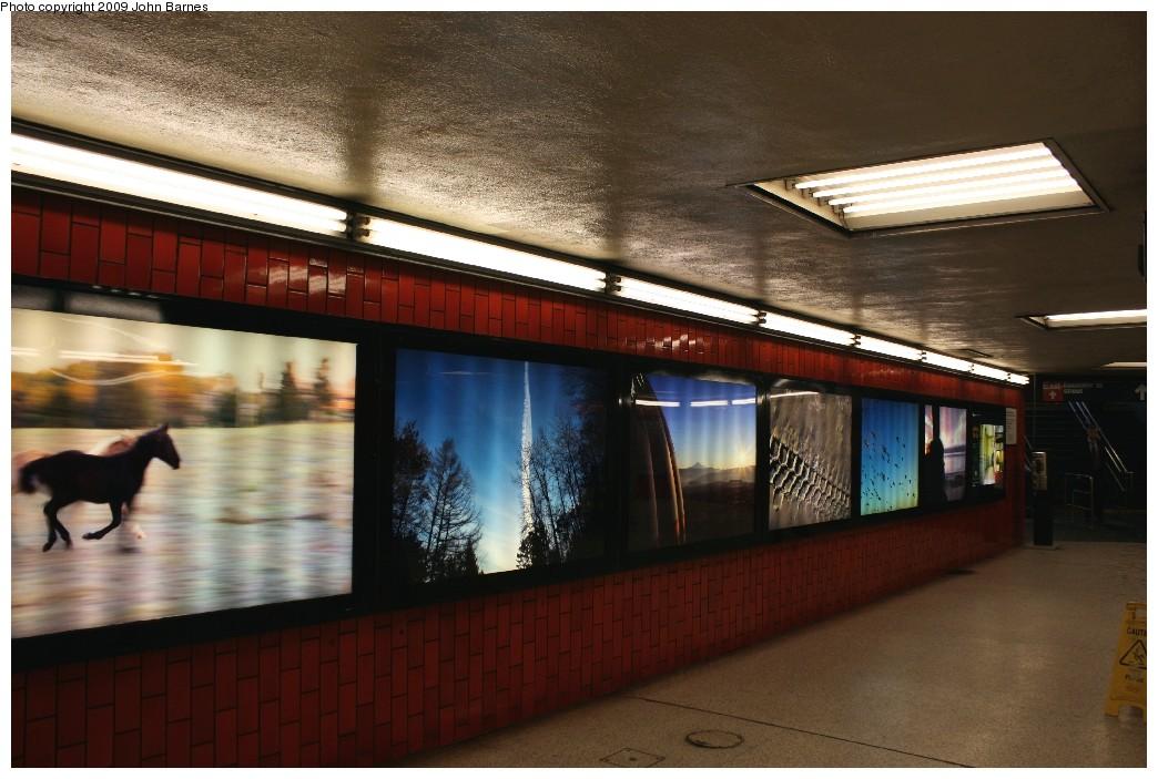 (187k, 1044x703)<br><b>Country:</b> United States<br><b>City:</b> New York<br><b>System:</b> New York City Transit<br><b>Line:</b> IRT East Side Line<br><b>Location:</b> Bowling Green <br><b>Photo by:</b> John Barnes<br><b>Date:</b> 7/21/2009<br><b>Artwork:</b> <i>A Way To Go</i>, Zach DeSart (2009).<br><b>Viewed (this week/total):</b> 5 / 1617