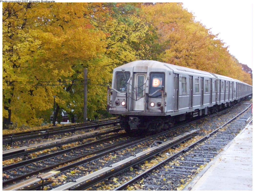 (321k, 1044x791)<br><b>Country:</b> United States<br><b>City:</b> New York<br><b>System:</b> New York City Transit<br><b>Line:</b> BMT Brighton Line<br><b>Location:</b> Kings Highway <br><b>Route:</b> B<br><b>Car:</b> R-40 (St. Louis, 1968)  4187 <br><b>Photo by:</b> Aliandro Brathwaite<br><b>Date:</b> 11/20/2007<br><b>Viewed (this week/total):</b> 1 / 2259