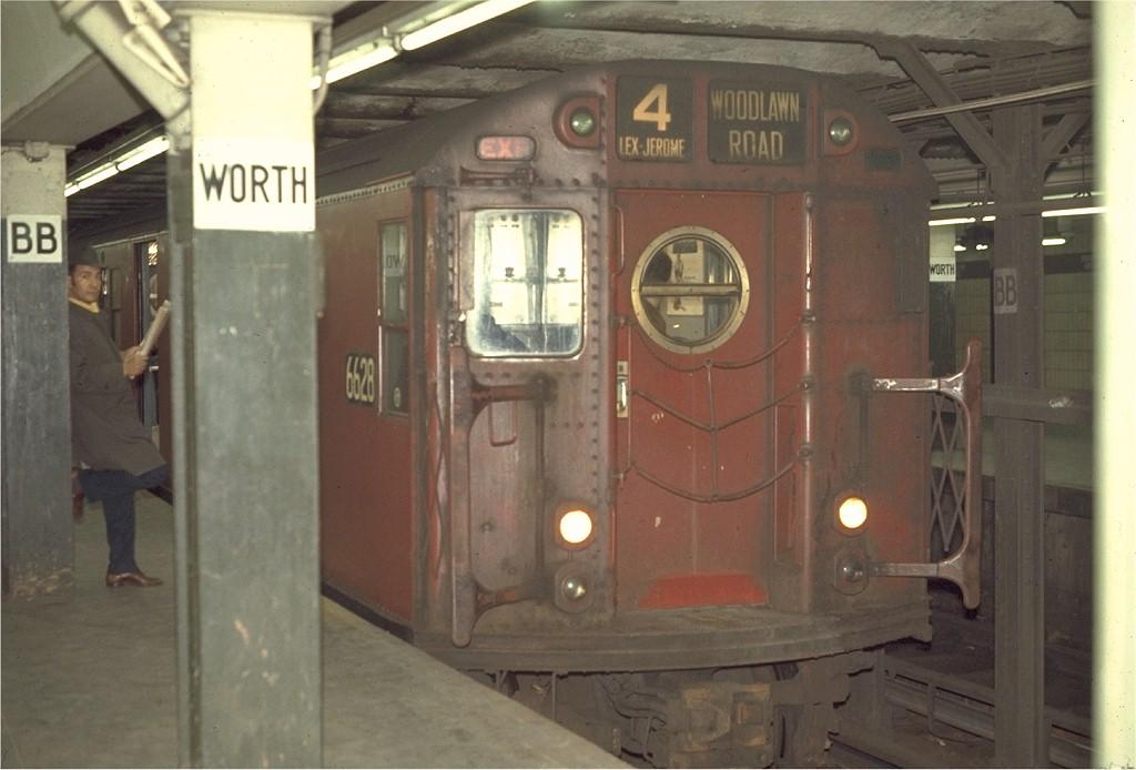 (150k, 1024x694)<br><b>Country:</b> United States<br><b>City:</b> New York<br><b>System:</b> New York City Transit<br><b>Line:</b> IRT East Side Line<br><b>Location:</b> Brooklyn Bridge/City Hall <br><b>Route:</b> 4<br><b>Car:</b> R-17 (St. Louis, 1955-56) 6628 <br><b>Photo by:</b> Joe Testagrose<br><b>Date:</b> 4/2/1970<br><b>Viewed (this week/total):</b> 1 / 2386