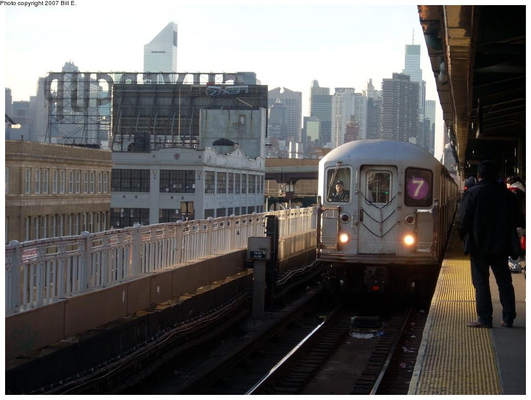 (222k, 1044x788)<br><b>Country:</b> United States<br><b>City:</b> New York<br><b>System:</b> New York City Transit<br><b>Line:</b> IRT Flushing Line<br><b>Location:</b> Queensborough Plaza <br><b>Route:</b> 7<br><b>Car:</b> R-62A (Bombardier, 1984-1987)   <br><b>Photo by:</b> Bill E.<br><b>Date:</b> 11/24/2007<br><b>Viewed (this week/total):</b> 0 / 1727
