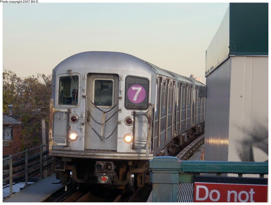 (208k, 1044x788)<br><b>Country:</b> United States<br><b>City:</b> New York<br><b>System:</b> New York City Transit<br><b>Line:</b> IRT Flushing Line<br><b>Location:</b> Junction Boulevard <br><b>Route:</b> 7<br><b>Car:</b> R-62A (Bombardier, 1984-1987)   <br><b>Photo by:</b> Bill E.<br><b>Date:</b> 11/24/2007<br><b>Viewed (this week/total):</b> 2 / 1695