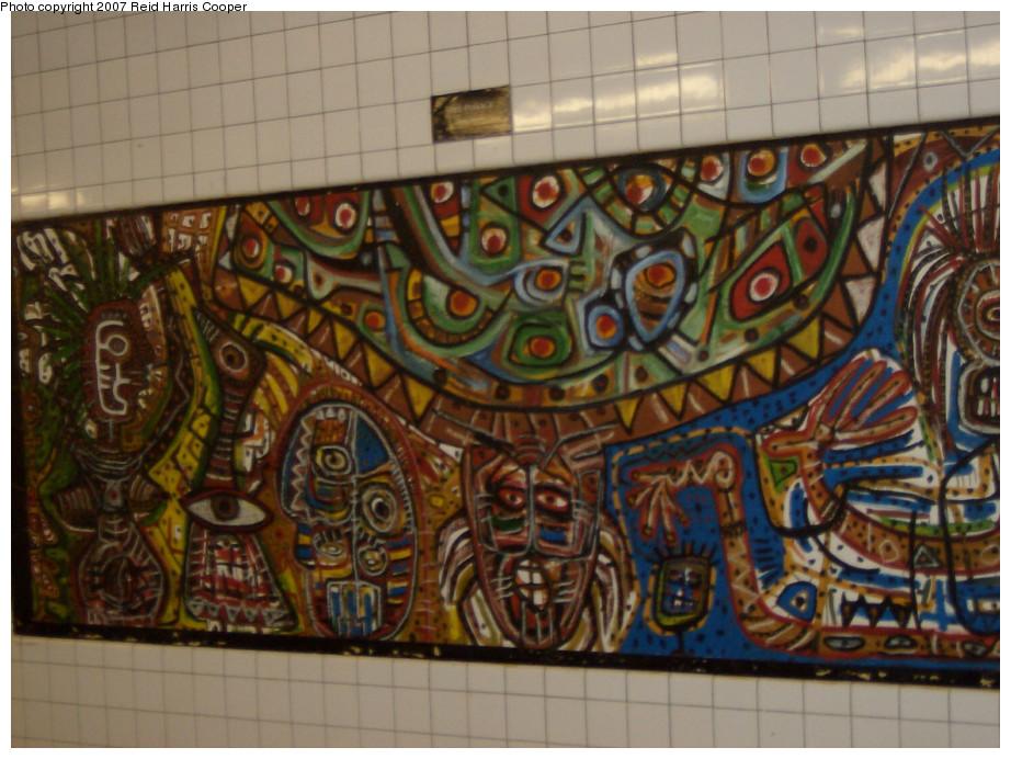 (222k, 922x692)<br><b>Country:</b> United States<br><b>City:</b> New York<br><b>System:</b> New York City Transit<br><b>Line:</b> IND Crosstown Line<br><b>Location:</b> Clinton/Washington Aves. <br><b>Photo by:</b> Reid Harris Cooper<br><b>Date:</b> 4/2007<br><b>Artwork:</b> <i>Safe Passage</i>, Danny Simmons.<br><b>Viewed (this week/total):</b> 0 / 2432