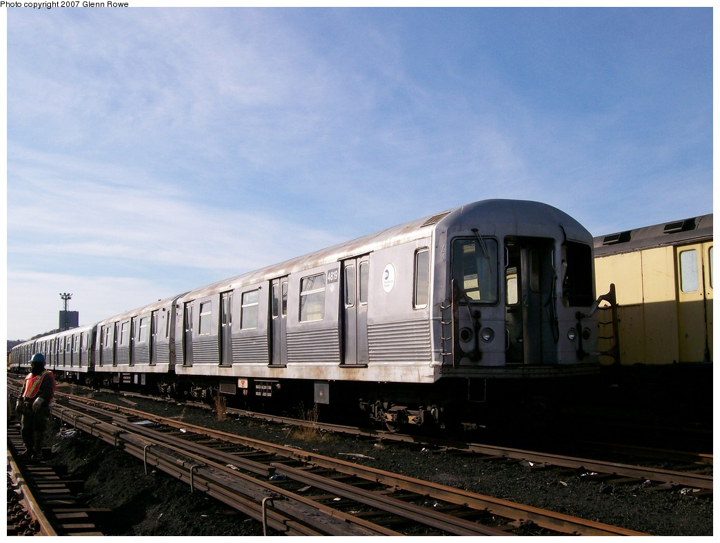 (182k, 1044x788)<br><b>Country:</b> United States<br><b>City:</b> New York<br><b>System:</b> New York City Transit<br><b>Location:</b> 207th Street Yard<br><b>Car:</b> R-42 (St. Louis, 1969-1970)  4819 <br><b>Photo by:</b> Glenn L. Rowe<br><b>Date:</b> 11/28/2007<br><b>Notes:</b> Cars involved in bumper block hit at Chambers Street, 11/6/2007.<br><b>Viewed (this week/total):</b> 1 / 2918
