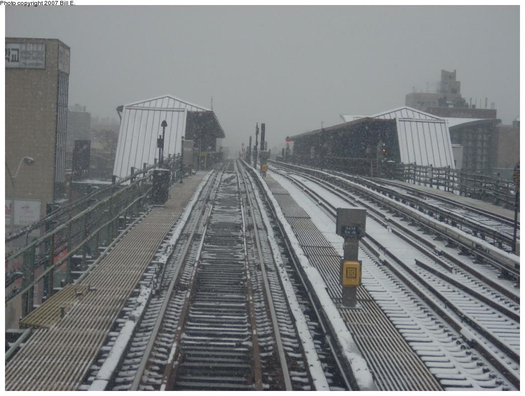 (234k, 1044x788)<br><b>Country:</b> United States<br><b>City:</b> New York<br><b>System:</b> New York City Transit<br><b>Line:</b> IRT Flushing Line<br><b>Location:</b> 74th Street/Broadway <br><b>Photo by:</b> Bill E.<br><b>Date:</b> 12/2/2007<br><b>Viewed (this week/total):</b> 1 / 1659