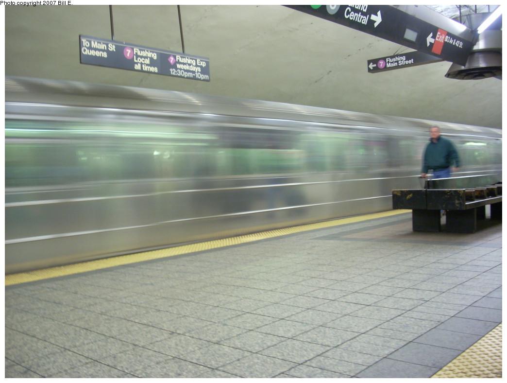 (196k, 1044x788)<br><b>Country:</b> United States<br><b>City:</b> New York<br><b>System:</b> New York City Transit<br><b>Line:</b> IRT Flushing Line<br><b>Location:</b> Grand Central <br><b>Route:</b> 7<br><b>Car:</b> R-62A (Bombardier, 1984-1987)   <br><b>Photo by:</b> Bill E.<br><b>Date:</b> 12/2/2007<br><b>Viewed (this week/total):</b> 0 / 2333