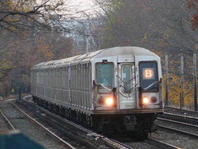 (190k, 640x480)<br><b>Country:</b> United States<br><b>City:</b> New York<br><b>System:</b> New York City Transit<br><b>Line:</b> BMT Brighton Line<br><b>Location:</b> Neck Road <br><b>Route:</b> B<br><b>Car:</b> R-40 (St. Louis, 1968)   <br><b>Photo by:</b> John Urbanski<br><b>Date:</b> 11/29/2007<br><b>Viewed (this week/total):</b> 0 / 1997