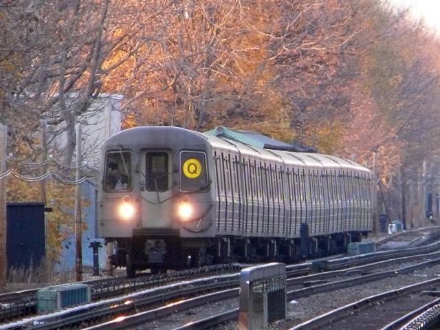 (193k, 640x480)<br><b>Country:</b> United States<br><b>City:</b> New York<br><b>System:</b> New York City Transit<br><b>Line:</b> BMT Brighton Line<br><b>Location:</b> Avenue U <br><b>Route:</b> Q<br><b>Car:</b> R-68/R-68A Series (Number Unknown)  <br><b>Photo by:</b> John Urbanski<br><b>Date:</b> 11/29/2007<br><b>Viewed (this week/total):</b> 0 / 2637