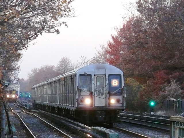 (178k, 640x480)<br><b>Country:</b> United States<br><b>City:</b> New York<br><b>System:</b> New York City Transit<br><b>Line:</b> BMT Brighton Line<br><b>Location:</b> Neck Road <br><b>Route:</b> B<br><b>Car:</b> R-40 (St. Louis, 1968)   <br><b>Photo by:</b> John Urbanski<br><b>Date:</b> 11/29/2007<br><b>Viewed (this week/total):</b> 0 / 2049